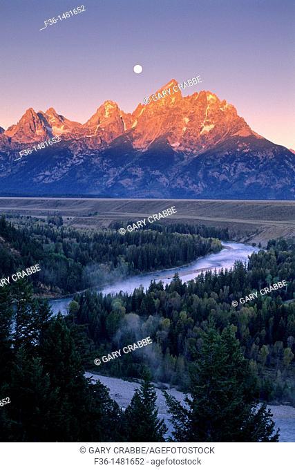 Moonset at dawn over the Teton Range and Snake River, Grand Teton Nat'l  Pk , WYOMING