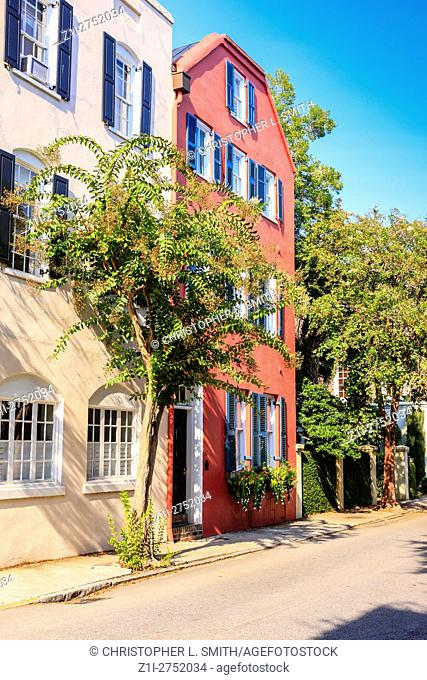 Houseson Tradd Street in the historic French quarter of Charleston, SC