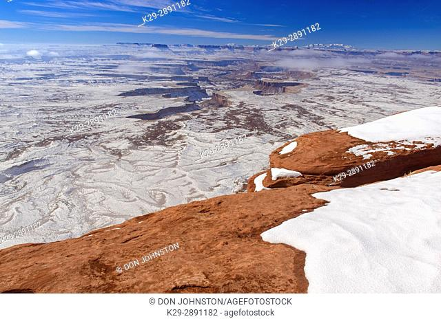 Snowy landscape at Green River overlook, Canyonlands National Park, Utah, USA