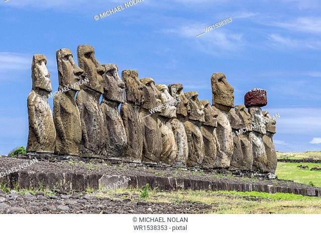 15 moai restored ceremonial site of Ahu Tongariki, Rapa Nui National Park, UNESCO World Heritage Site, Easter Island (Isla de Pascua), Chile, South America
