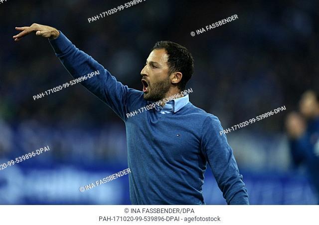 Schalke coach Domenico Tedesco gestures during the German Bundesliga football match between FC Schalke 04 and FSV Mainz 05 in Gelsenkirchen, Germany