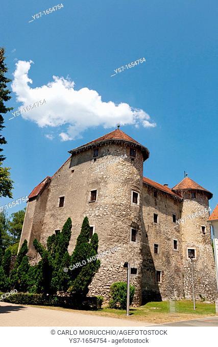 The Frankopan Castle, built in the XVI century close the gorge of the River Dobra, Ogulin, Karlovac county, Croatia, Europe