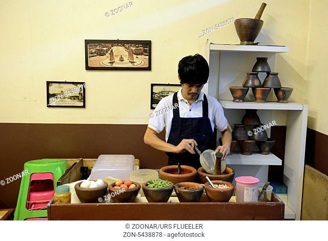 Ein thailaendisches Restaurant in der Hauptstadt Bangkok von Thailand in Suedostasien