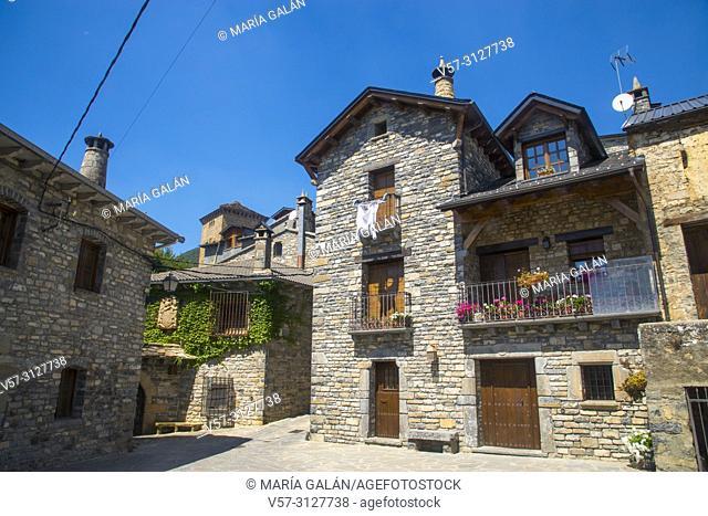 Traditional architecture. Oto, Huesca province, Aragon, Spain