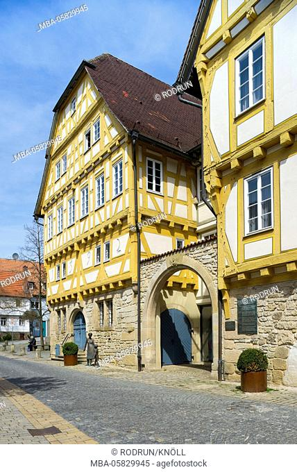 Germany, Baden-Wurttemberg, Sindelfingen, town museum in the salt house of 1592 and in the old city hall of 1478 (on the right)