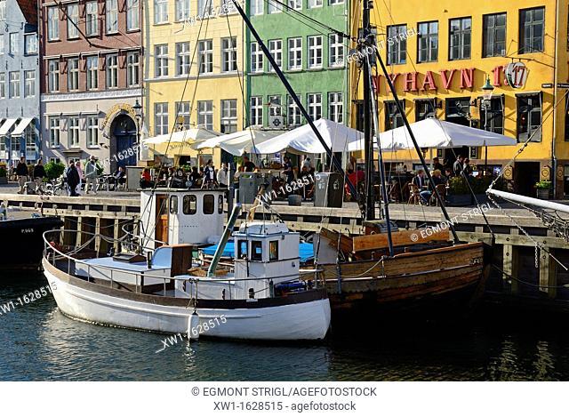 historic boats at Nyhavn, Copenhagen, Danmark, Scandinavia, Europe