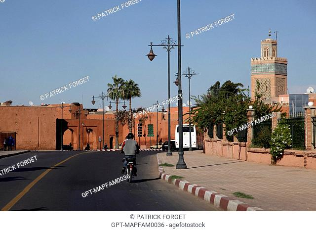 THE CITY'S NEW AVENUE LEADING TO THE ENTRANCE TO THE MEDINA OF MARRAKECH, MOROCCO