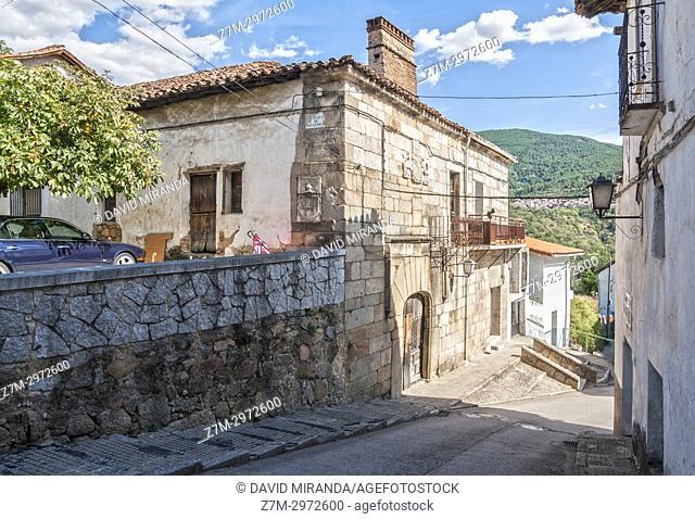 Casa blasonada en Mombeltrán. Barranco de las cinco villas. Valle del Tiétar. Provincia de Ávila, Castile-Leon, Spain