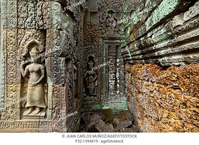Devata  Preah Khan Temple  Angkor  Siem Reap town, Siem Reap province  Cambodia, Asia