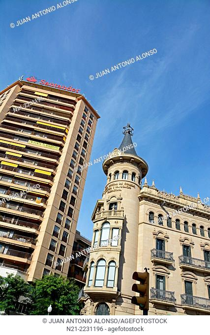 The Chamber of Commerce in front of the Font del Centenari, Rambla Nova, Tarragona, Catalonia, Spain, Europe