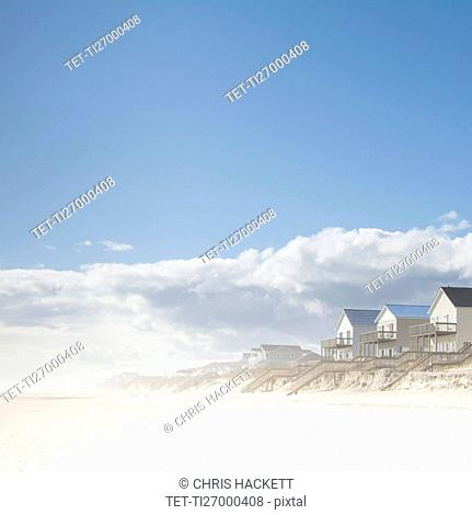 USA, NC, Surf City, Topsail Beach, Cottages on beach