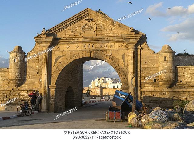 Harbour gate Porte de la Marine and the medina in Essaouira, Kingdom of Morocco, Africa
