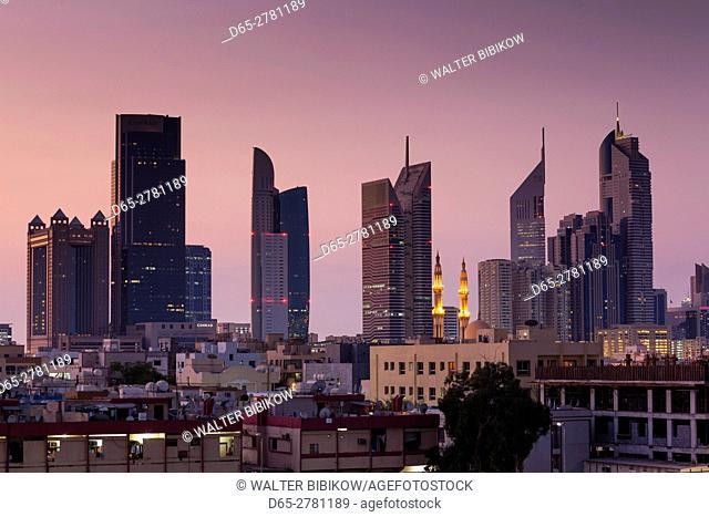 UAE, Dubai, Jumeira, skyscrapers along Sheikh Zayed Road, skyline from Jumeira, dawn