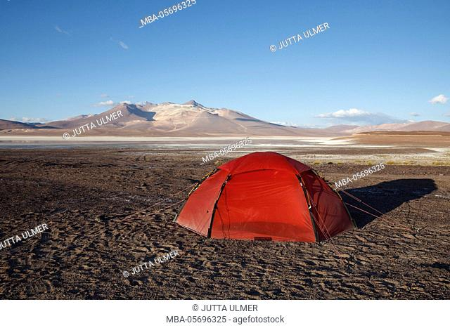 Chile, national park Nevado Tres Cruzes, Laguna del Negro Francisco, tent