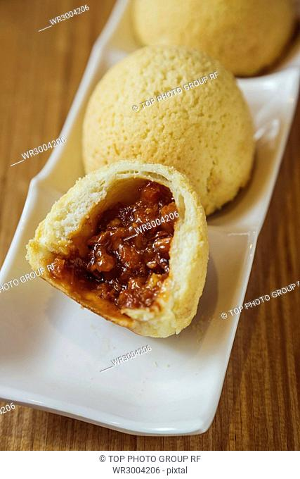 pastry steamed bun