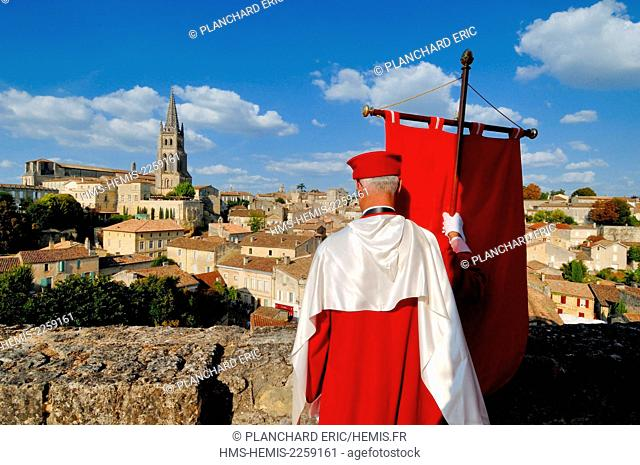 France, Gironde, Saint Emilion, medieval town listed as World Heritage by UNESCO, the Jurade, atop the Tourdu Roy, proclaiming the Ban des Vendanges (in...
