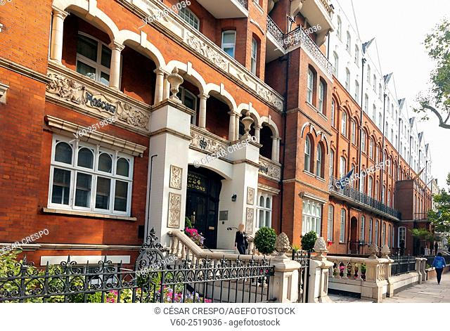 -Ancient Houses in Earl's Court Zone-London United Kingdom