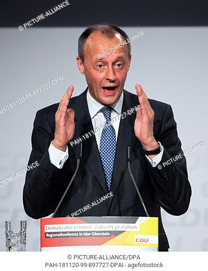 20 November 2018, Rhineland-Palatinate, Idar-Oberstein: Friedrich Merz, the former CDU/CSU faction leader, addresses party members at the CDU regional...