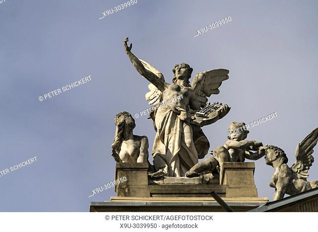 angel with harp on the roof, Hessische Staatstheater State Theatre in Wiesbaden, Hesse, Germany