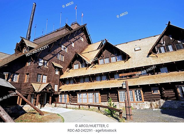 Hotel Old Faithful Inn Yellowstone national park Wyoming USA