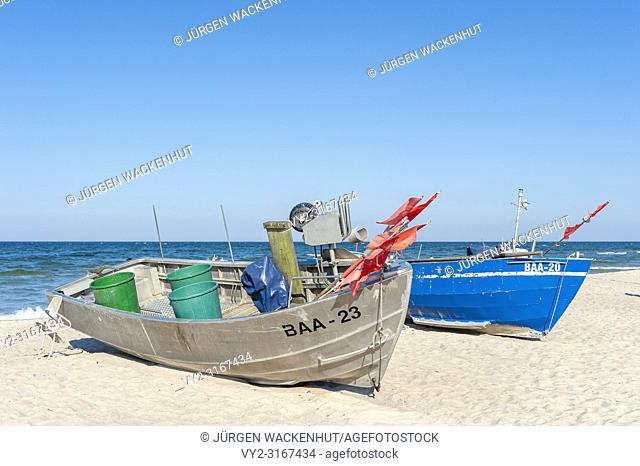Fishing boats on the beach, Baabe, Ruegen, Mecklenburg-Vorpommern, Deutschland, Europe