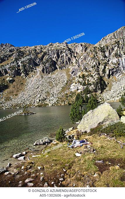 Estany Redo  Redo lake. Aigüestortes i Estany de Sant Maurici National Park, Pyrenees Mountains, Boi-Taull Valley. Alta Ribagorça, Lleida province, Catalonia