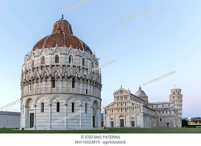Baptistry, Cathedral of Santa Maria Assunta and Campanile, Leaning Tower of Pisa, Piazza del Duomo, Pisa, Tuscany, Italy