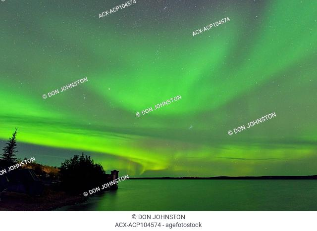 Aurora borealis (northern lights) over Great Slave Lake, Yellowknife, Northwest Territories, Canada