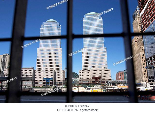 VIEW OF THE WORLD FINANCIAL CENTER SEEN THROUGH THE FENCE BLOCKING OFF GROUND ZERO, WORLD TRADE CENTER, SEPTEMBER 11TH, 2001 ATTACKS, 9/11, DOWNTOWN, MANHATTAN