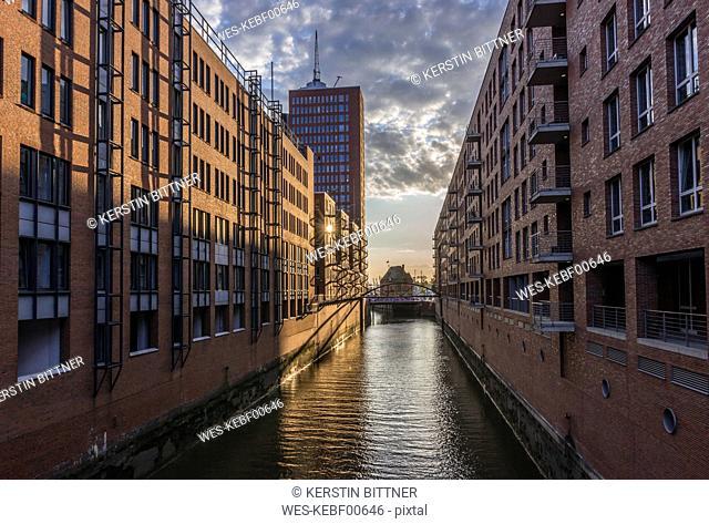 Germany, Hamburg, Speicherstadt at Kehrwiederfleet