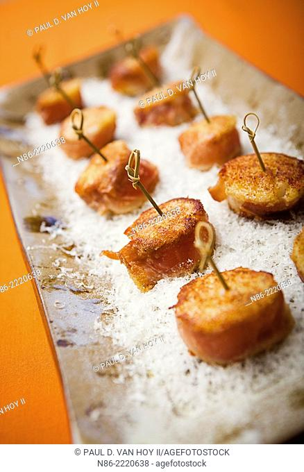 parmesan crusted prosciutto wrapped scallops