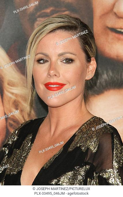 """Kathleen Robertson at the Premiere of Warner Bros' """"""""Father Figures"""""""" held at the TCL Chinese Theater in Hollywood, CA, December 13, 2017"""