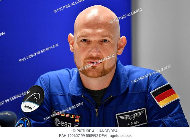 07 June 2019, Thuringia, Erfurt: Alexander Gerst, ESA astronaut, sits on the podium at the press conference for the DLR Space Show of the German Aerospace...