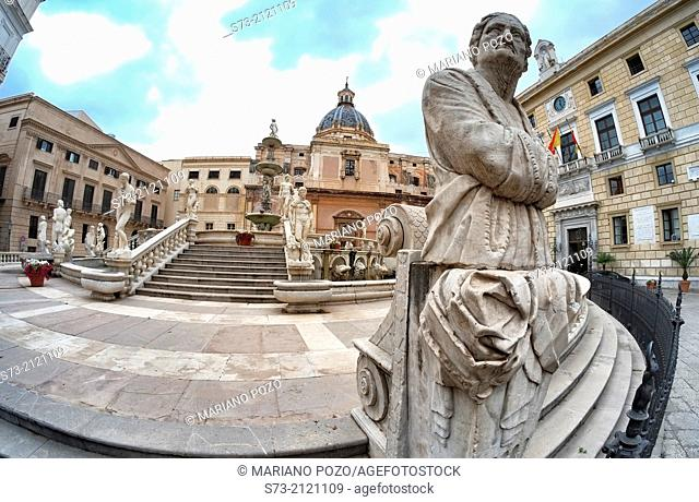 Italy, Sicily, Palermo, Piazza Pretoria, fountain, San Giuseppe di Teatini church