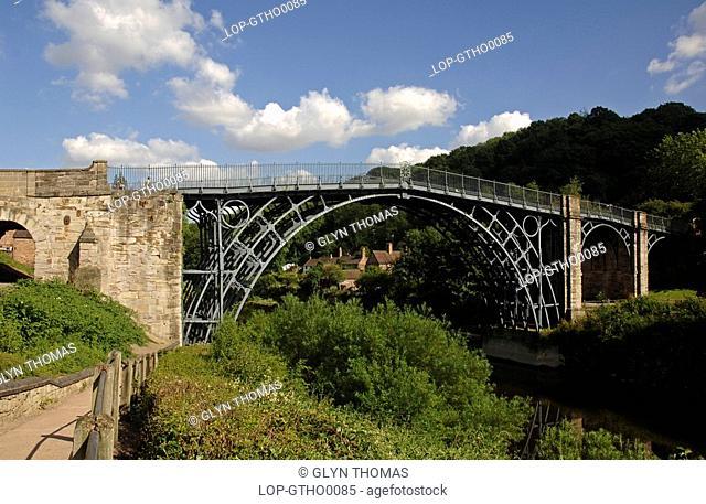 England, Shropshire, Ironbridge, River Severn and arched bridge near the village of Ironbridge in Shropshire