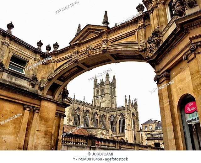 Arch and Bath Abbey. Bath. Somerset. England. United Kingdom