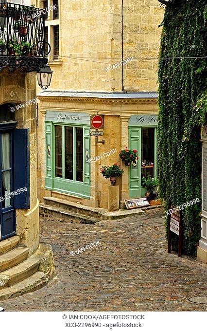 Rue de la Petite Fontaine, Saint Emilion, Gironde Department, Aquitaine, France