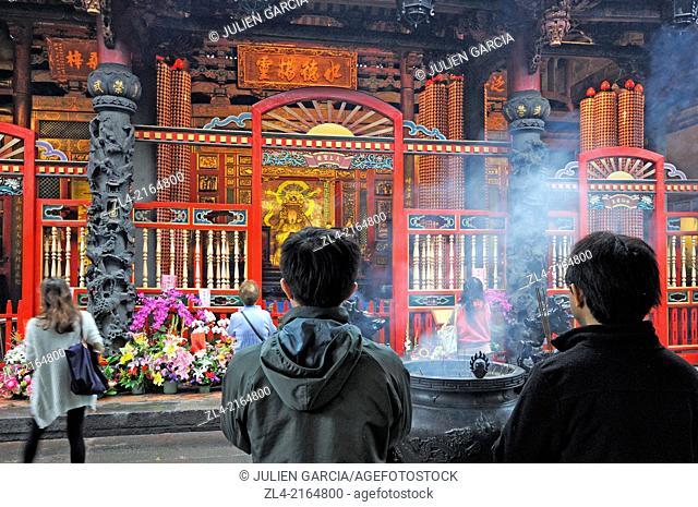Mengjia Longshan Buddhist and Taoist Temple. Taiwan (China), Taipei, Wanhua district
