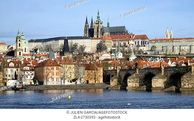 Czech Republic, Prague, historic centre listed as World Heritage by UNESCO, the Vltava River, the Charles Bridge (Karluv Most)