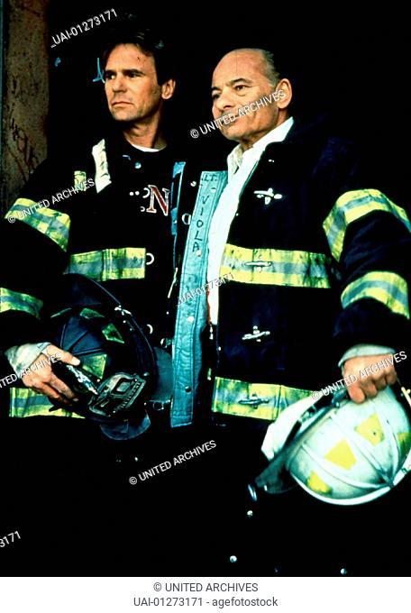 Burt Young, Richard Dean Anderson Frankie Shea (Burt Young) und der erfahrene Feuerwehrmann Michael Brooks (Richard Dean Anderson) sollen New York City vor...