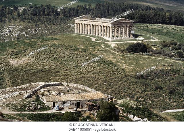 Temple of the ancient town of Segesta, Doric order, Sicily, Italy. Magna Graecia, 5th century BC
