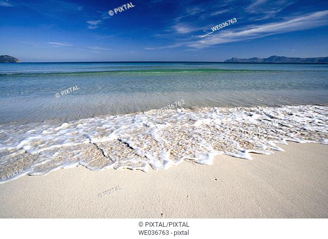Bahía de Alcúdia. Muro beach. Cabo Ferrutx at the back. Mediterranean sea. Balearic Islands. Spain