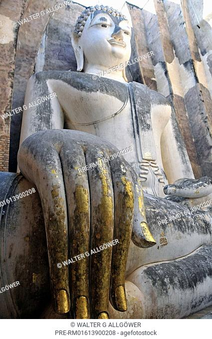 Buddha statue, Wat Si Chum, Historical Park Sukhothai, Sukhothai, Thailand, Asia