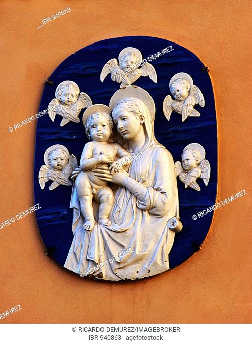Marian effigy with angels at the outer church well by the Piazza della pilotta, Rome, Italy, Europe