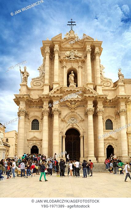 Baroque Cathedral or duomo in Siracusa (Syracuse), Sicily, Italy UNESCO