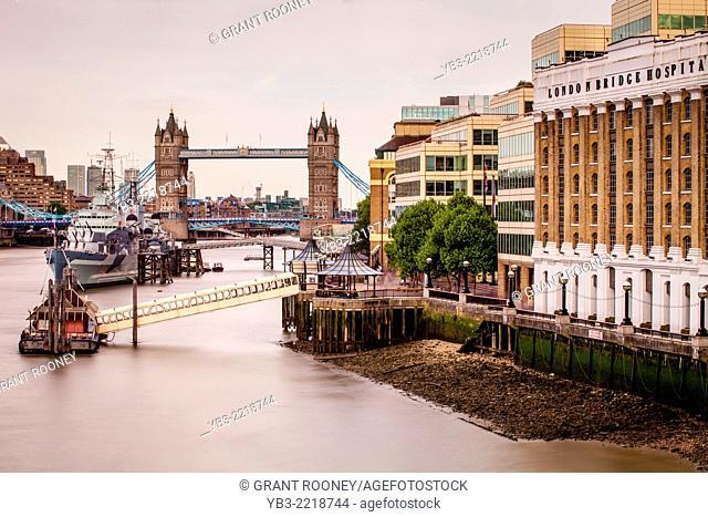London Bridge Hospital, River Thames & Tower Bridge, London, England