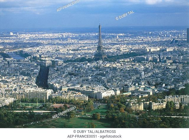 General view of the city of Paris