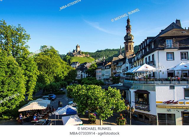 The town of Cochem with the cochem castle in the background, Moselle valley, Rhineland-Palatinate, Germany