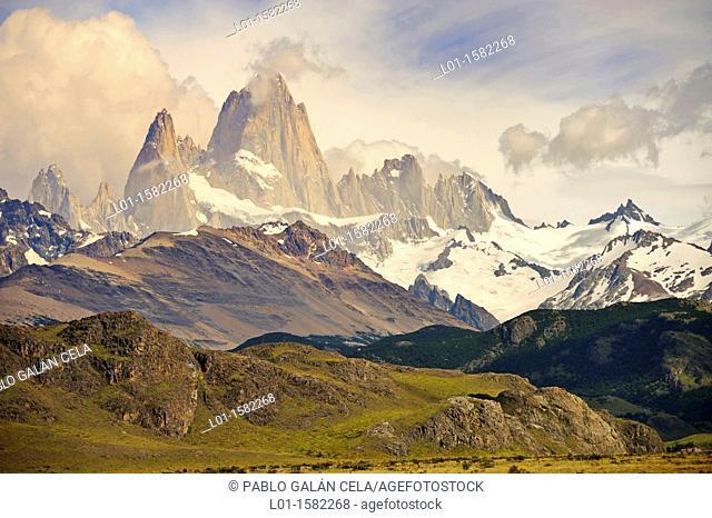 Monte Fitz Roy y Aguja Poincenot, Parque Nacional de los Glaciares, Argentina
