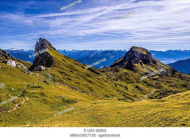 Austria, Tyrol, Achensee region, Rofan (mountains) Maurach am Achensee, Grubascharte with Grubalackenspitze and Haidachstellwand